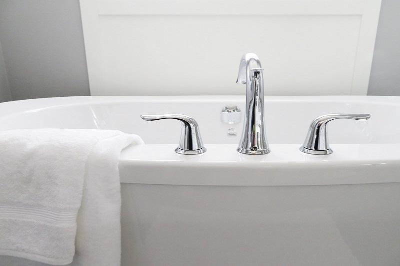 חלודה באמבטיה- איך מתקנים?