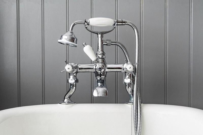 מה עדיף שיפוץ אמבטיה או ציפוי אמבטיה?