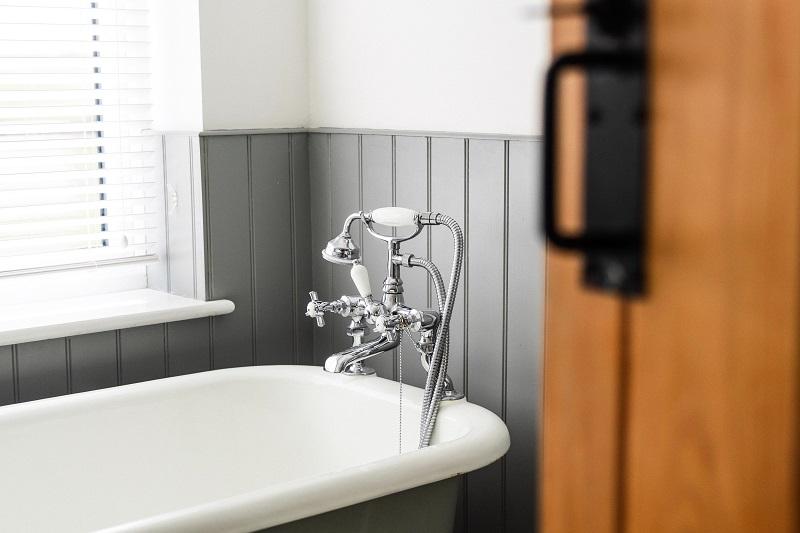 מה אתם צריכים לדעת על הלבשת אמבטיה?